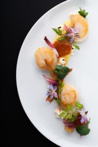 Photographie culinaire restaurant sur fond noir
